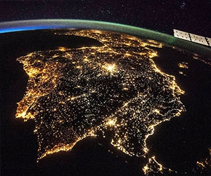 تولید برق از آسمان شب